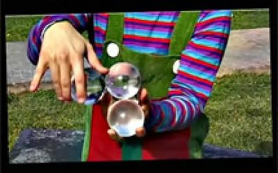 Περιπέτειες στο πάρκο - Ο ξεμαλλιασμένος κλόουν-Σύνθεση με αχώριστα μόρια